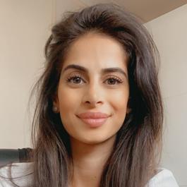 Nazanin profile image